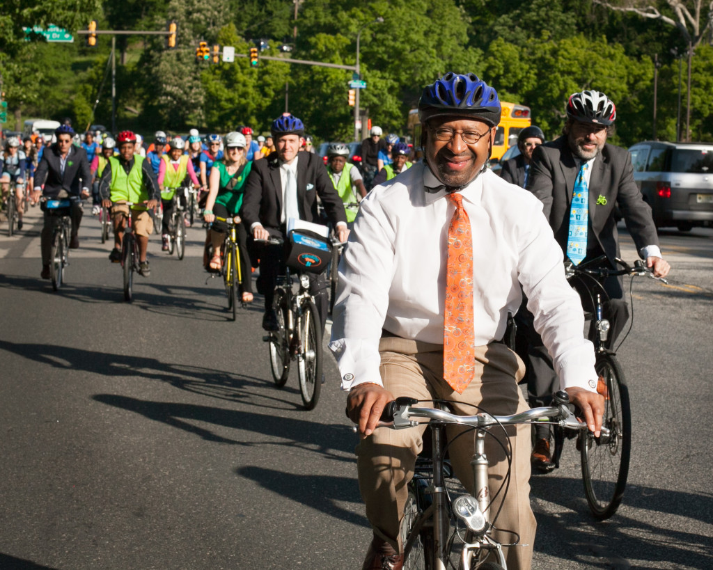 Mayor Michael Nutter rides his bike on Bike to Work Day 2013.