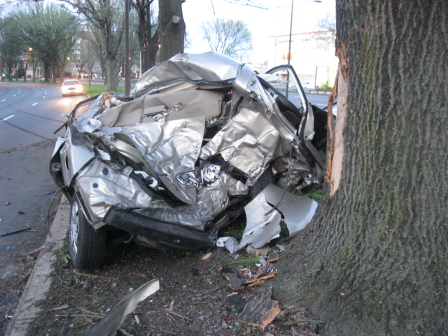 PPD photo of a mangled car on Roosevelt Boulevard